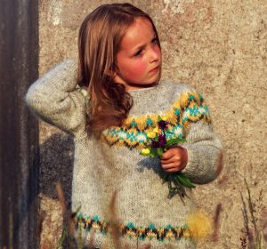 Lichen Lopapeysa sweater kit bu North Child